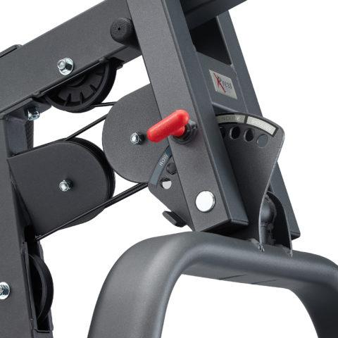 Запатентованные рычаги на тросах имитируют полный ряд упражнений с гантелями