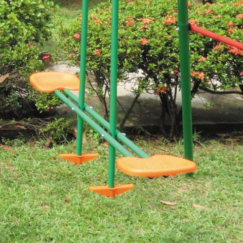 Регулируемые по высоте веревки для качелей.