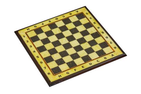 Шахматная доска средняя с рамкой 37*37 Амберрегион
