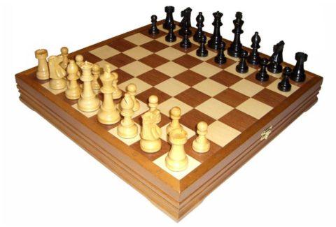 Шахматы классические деревянные 43х43 см RTC-2715