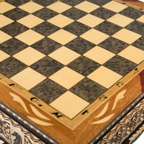 Шахматы резные ручной работы в ларце большие РФН