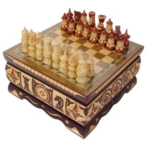 Шахматы резные ручной работы в ларце малые slchesslarm